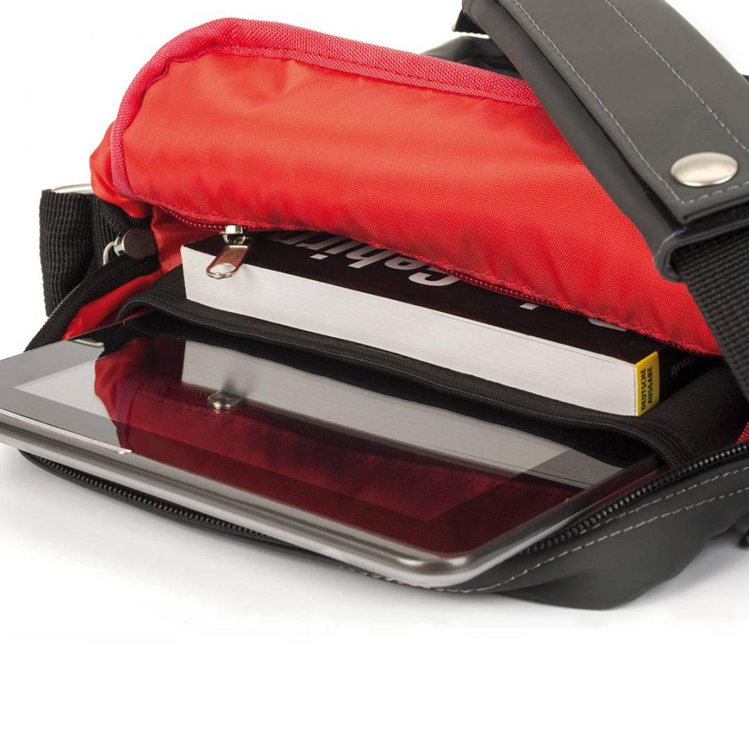Shoulder Bag for Tablet PC – 2014-01 (approx. 22 x 29 x 5 cm, black)